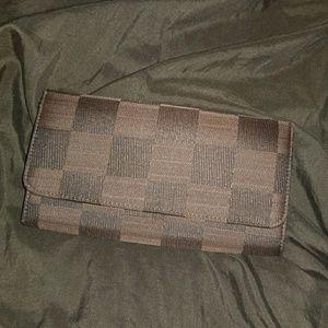 Handbags - 🛍💳 NEW!!! BROWN CHECKERED Large Wallet 💳🛍